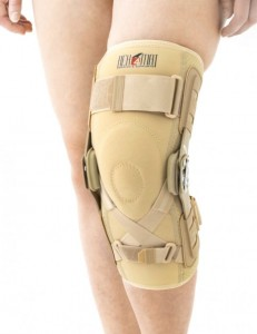 Knee Brace With Anatomical Rom Adjustment And ACL Support